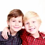 brothers-1022994_1920